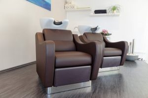 Wash-Lounge mit Massagewaschsessel